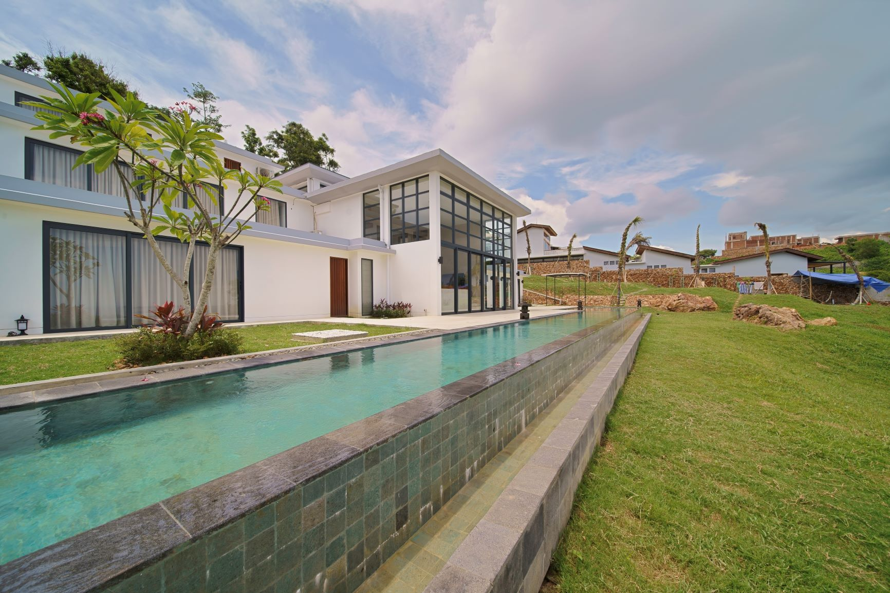 Nagaindo land for sale investment property Kuta Lombok Kuta Skyline villa